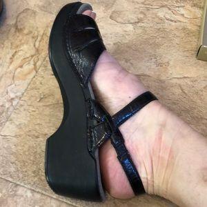 Ladies sandals sz  10/40 by Dansko